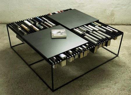 Стол-трансформер с двумя квадратными поверхностями