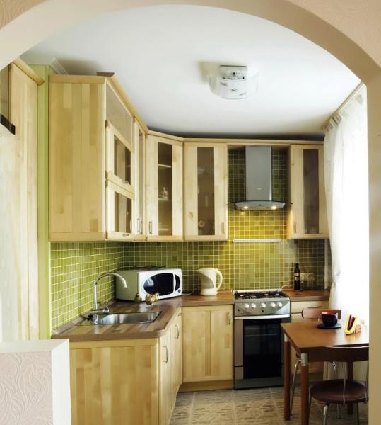 Кухонные столы для маленькой кухни – фото 7