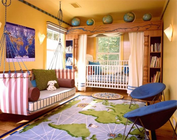 Кровать в комнате мальчика