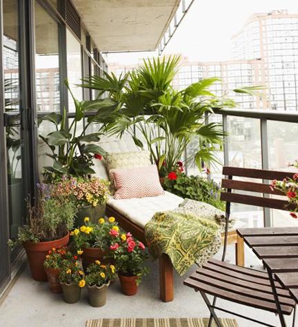 Красивый сад на балконе