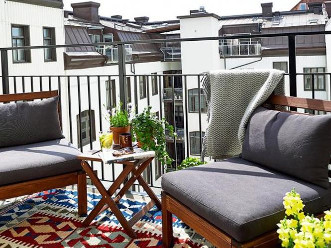 Пример дизайна балкона для хрещёвки
