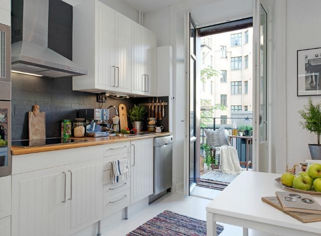 Функциями кухни диктуется и необходимый набор предметов интерьера