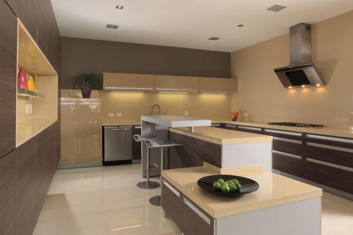 Кухня в стиле хай-тек 1