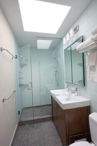 Огромное зеркало в ванной