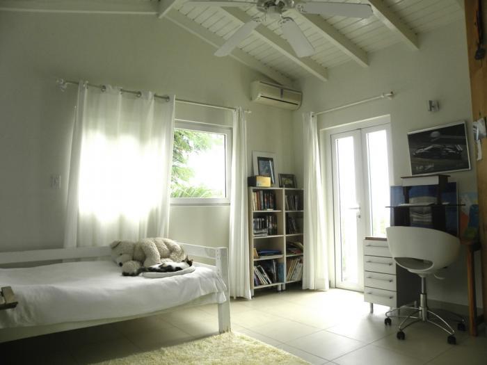 Спальня с отделенным балконом или лоджией - фото 1