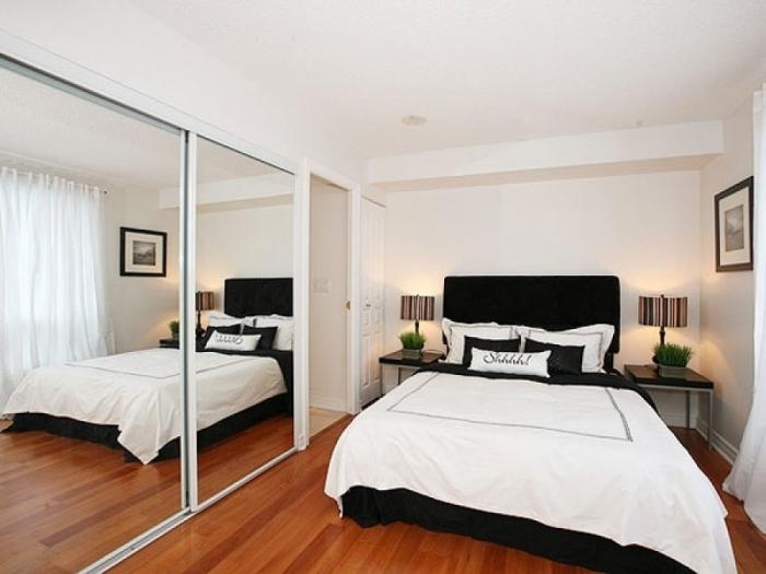 Встроенный шкаф - решение для маленькой спальни