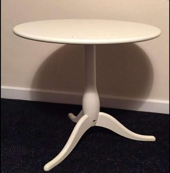 Придиванный столик от Икеа 06