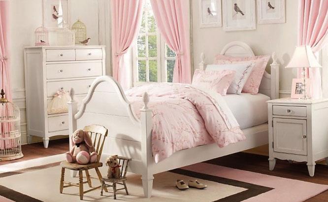Розовая детская спальня