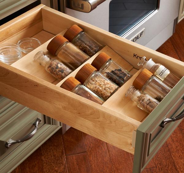 Полки и ящики в кухонной мебели от Икеа – 1