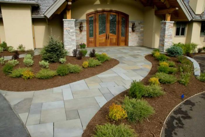 Ландшафтный дизайн двора на даче