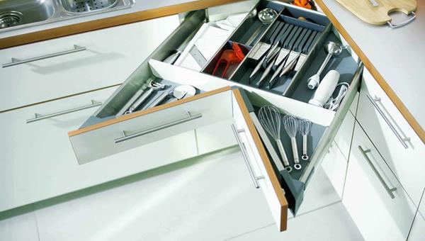 Кухонная мебель (шкафчики и ящики) – 1