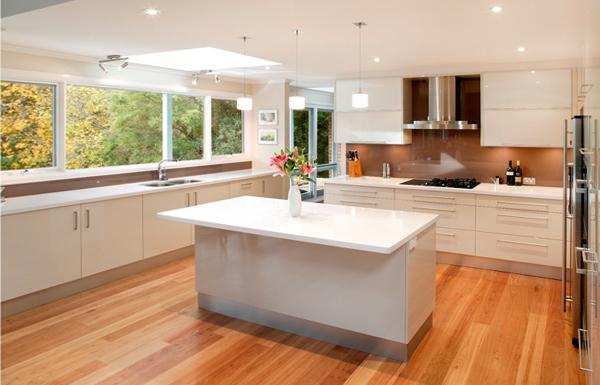 Кухня в светлых тонах– 1