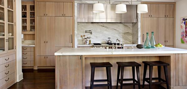 Кухня в светлых тонах-2