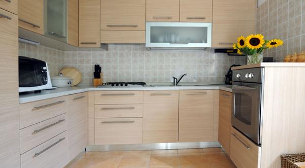 Кухня в светлых тонах- 5