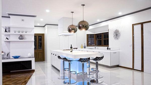 Кухня в светлых тонах- 6