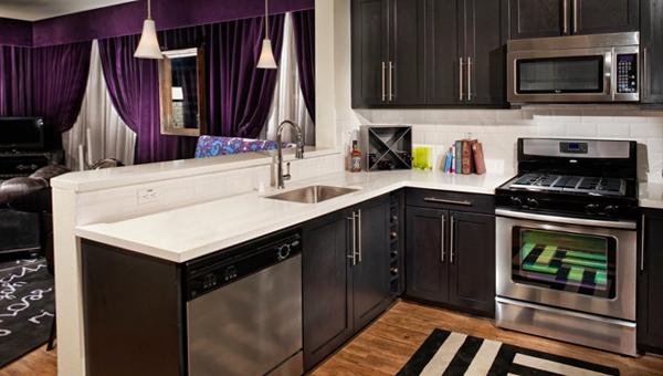Мебель для кухни в темных тонах- 5