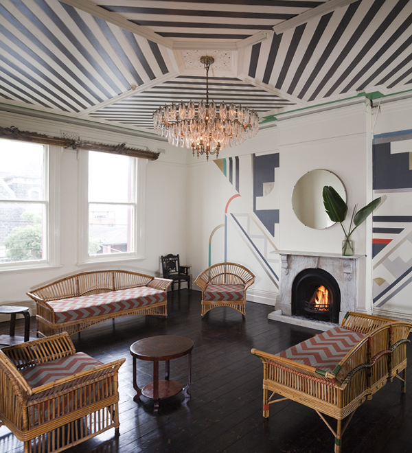 Гостиная в современном стиле (мебель арт-деко) – 3