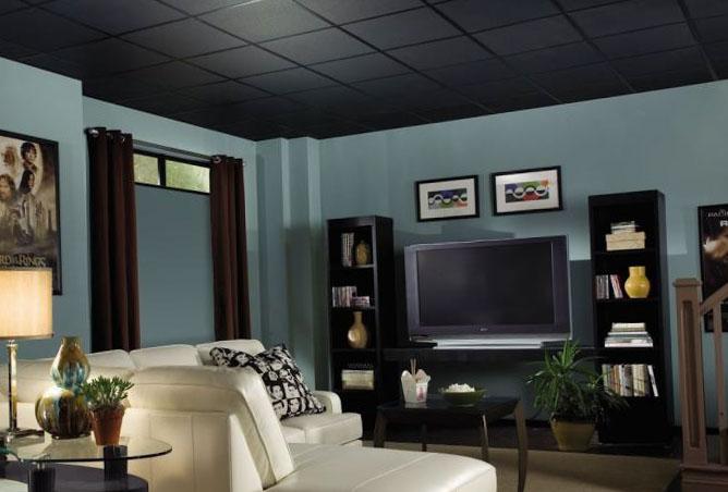Натяжной потолок до или после поклейки обоев