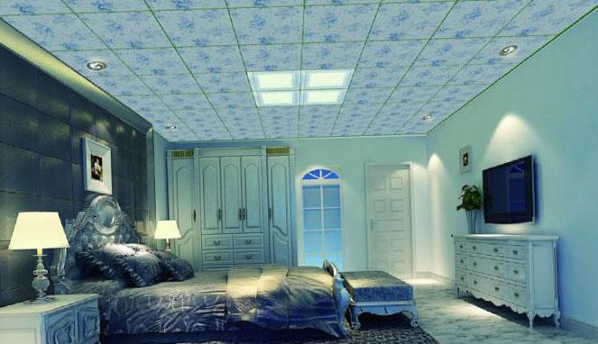 Натяжные потолки в спальне