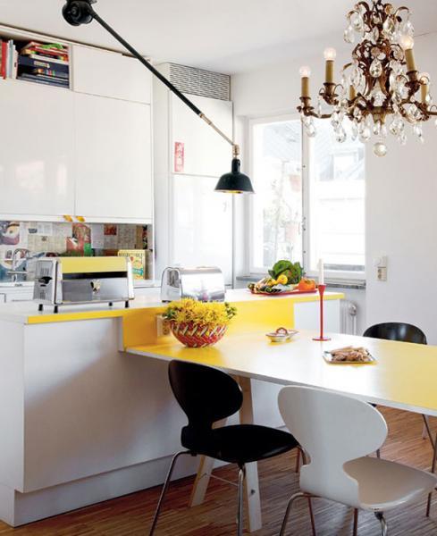 Обеденный стол в кухне: фото 5