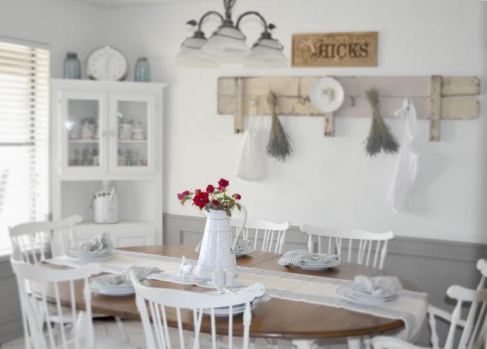 Обеденный стол в кухне 3