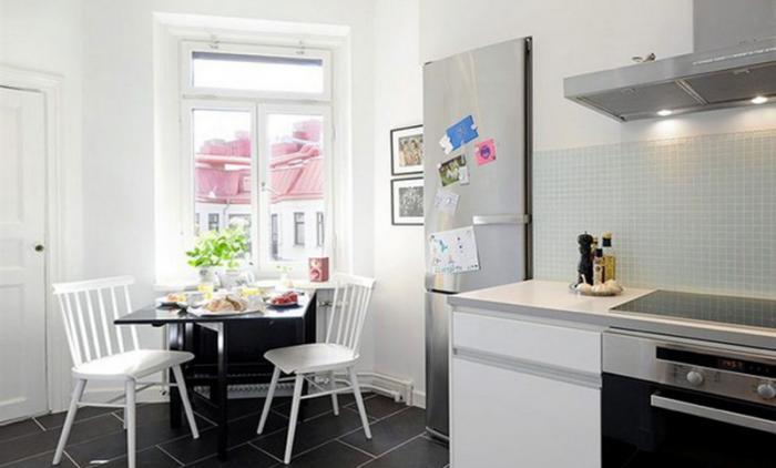 Обеденный стол в кухне 4