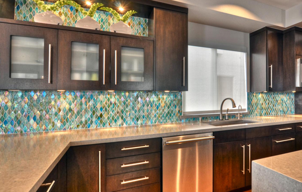 Плитка в интерьере кухни (керамическая) – 1