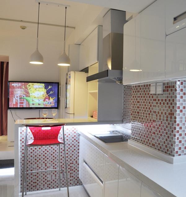 Плитка в интерьере кухни (мозаичная укладка) – 1
