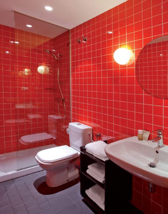 Плитка разных цветов в винтерье ванной - 3