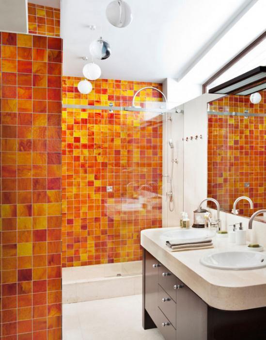 Плитка разных цветов в винтерье ванной - 6