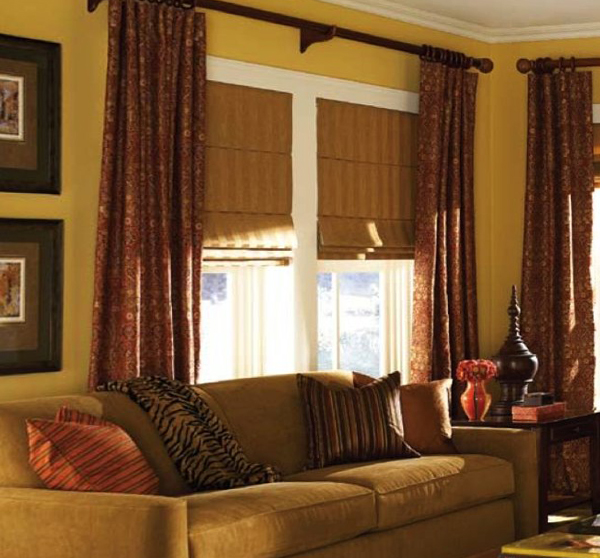 фото римских штор в гостинной -1