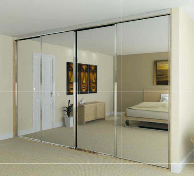 Шкаф-купе в спальню с зеркалом