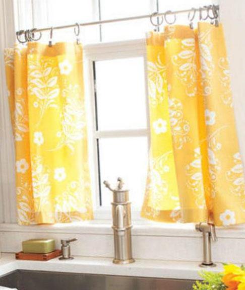 Кухонные шторы на кольцах