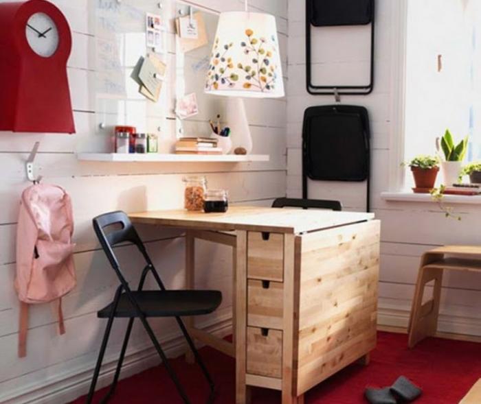 Стол-книжка в спальне – фото 1