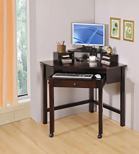 Фото угловых компьютерных столов 4