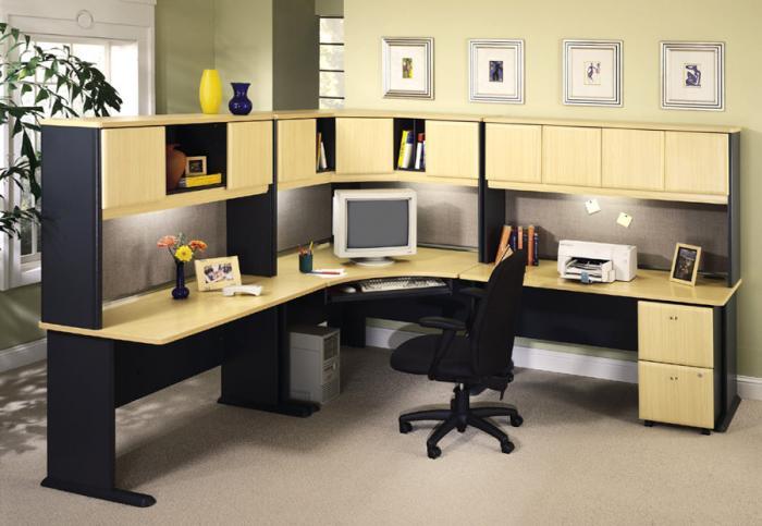 Письменный стол с подсветкой