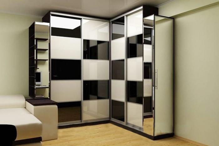 Угловой шкаф-купе в гостиную 2