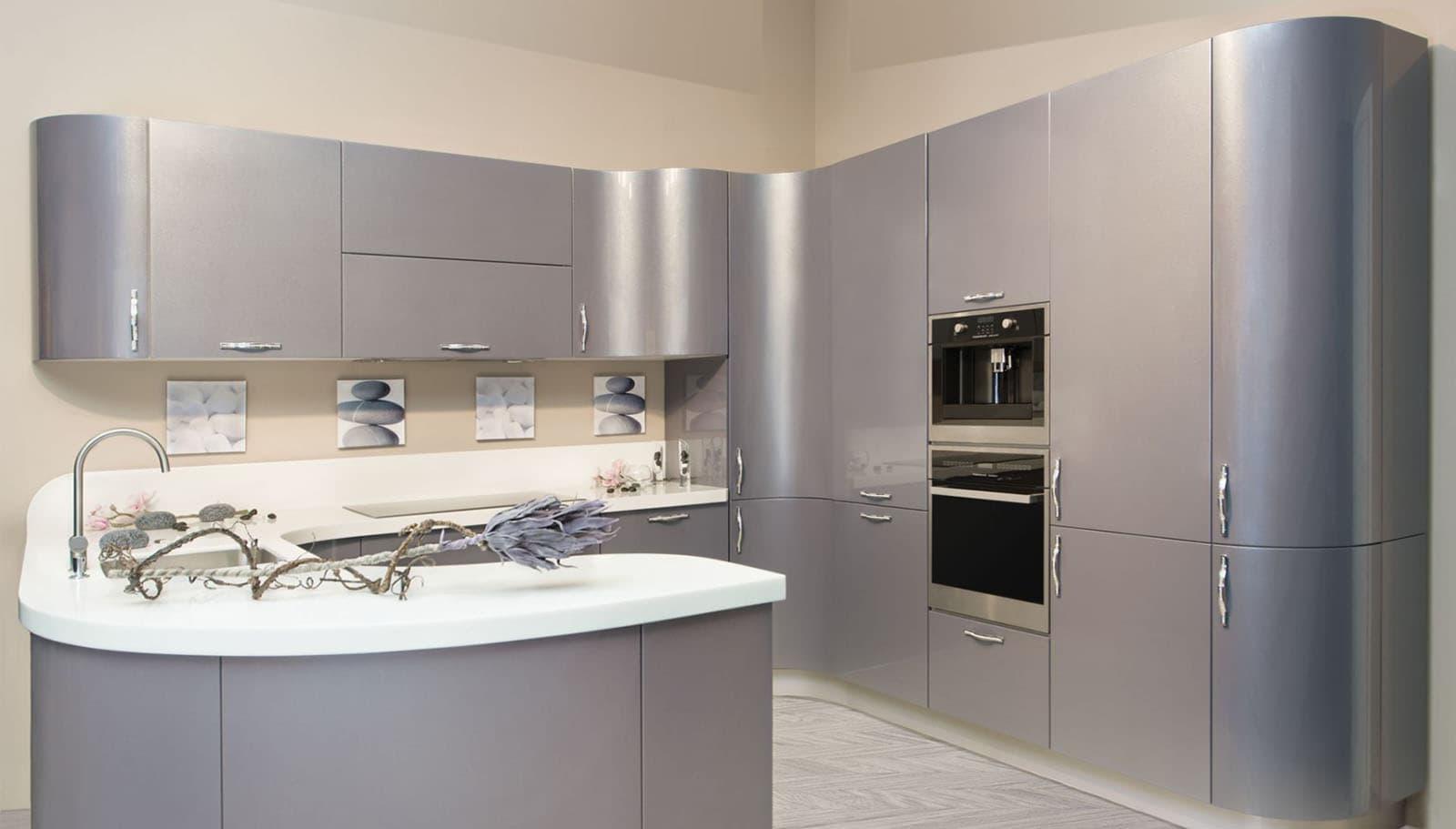 Серая кухня в эмали фото