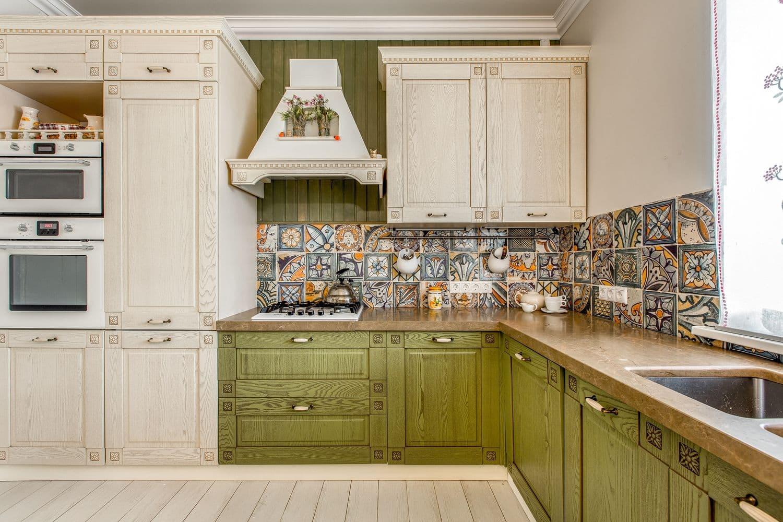 стеновая панель кухни в стиле прованс фото
