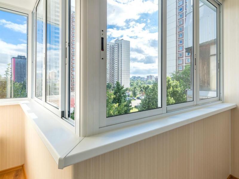 Увеличиваем полезное пространство: остекление балконов и лоджий