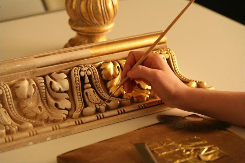 Золотые краски в баллончиках — техника использования