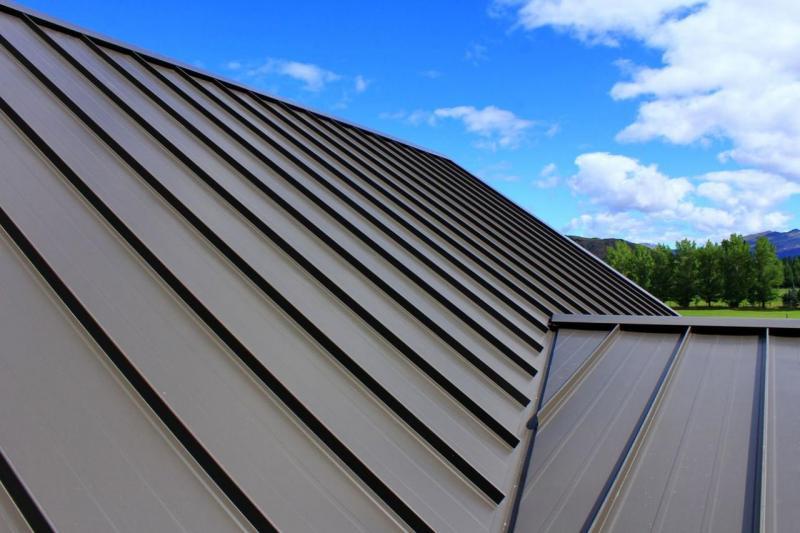 Кровельные покрытия из листового металла — основа защиты и эстетической отделки на долгие годы