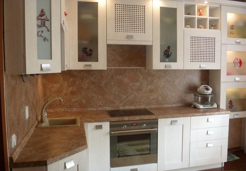 Декоративные панели в интерьере кухни 2