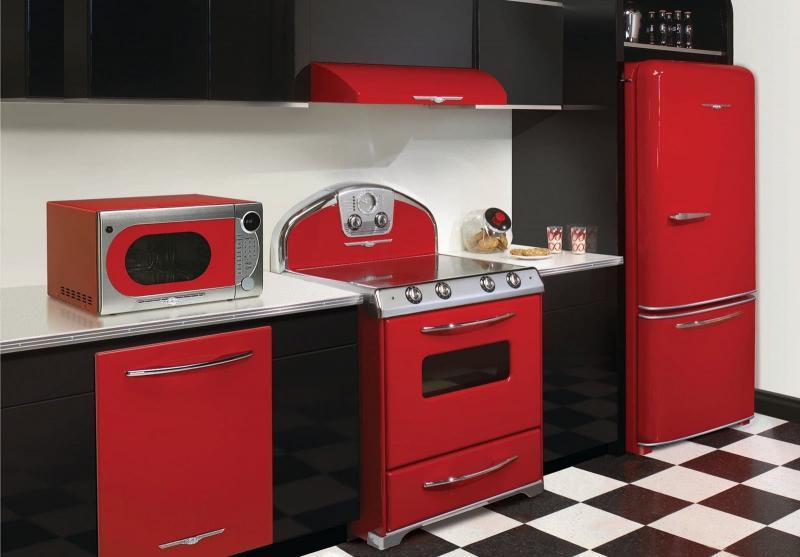 Комбинирование цветов (черный и красный)