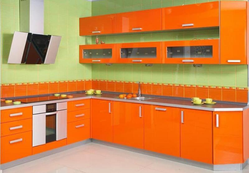 Комбинирование цветов (оранжевый и зеленый)