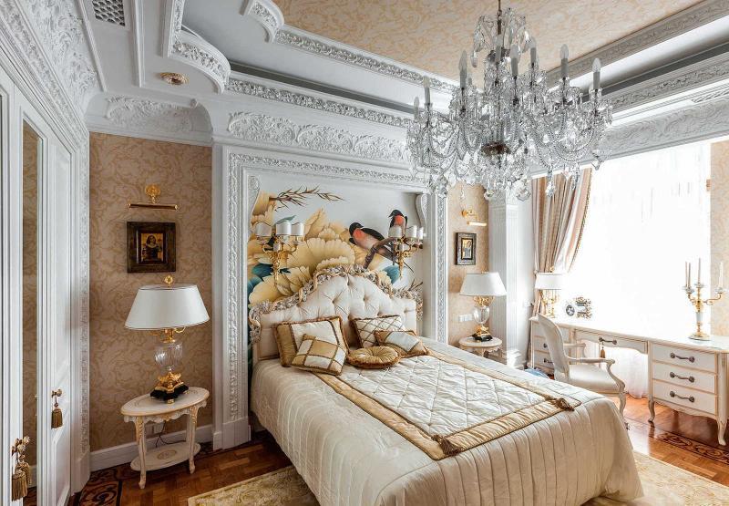 Оформление потолка в интерьере спальни 4