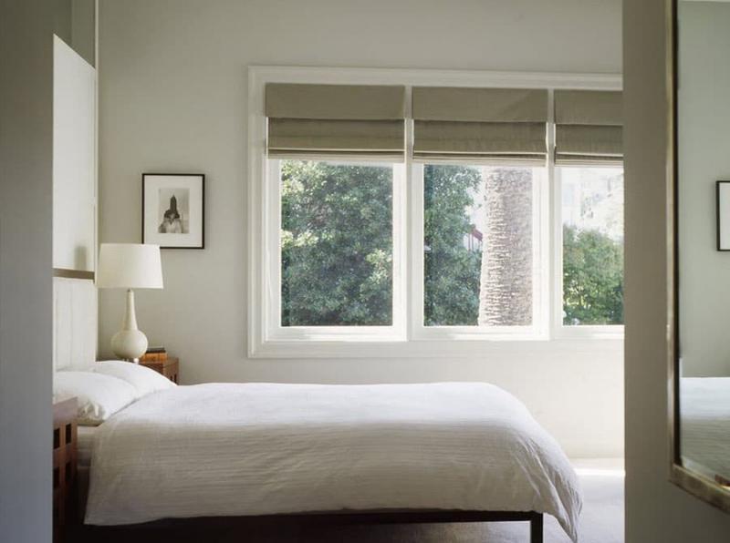 Римские шторы в интерьере спальни 1