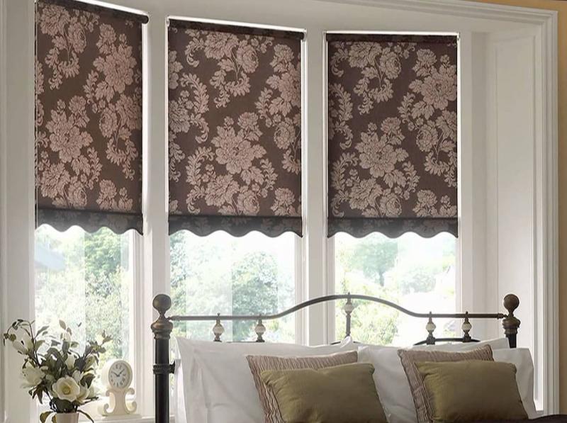 Римские шторы в интерьере спальни 3