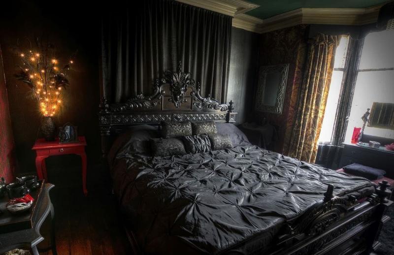 Спальня в темных тонах 2