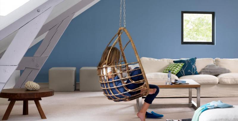 Оттенок Air Blue в дизайне гостиной 5